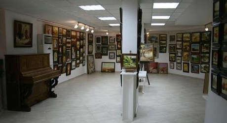 8 Gallery