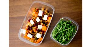 Boxed lunch: chickpeas with red beans and carrots