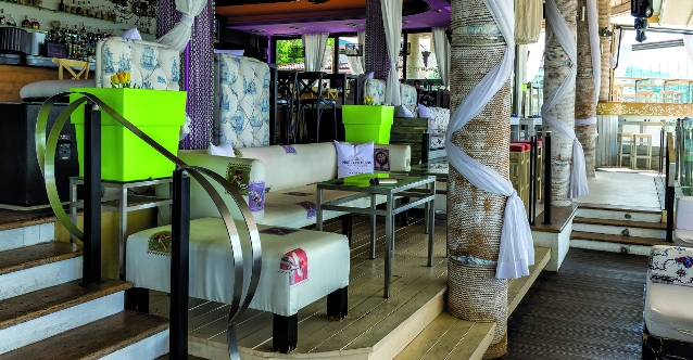 Planet Yacht Club [St. Vlas]