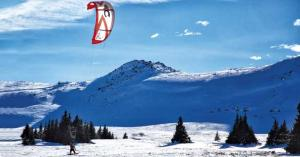 Snowkite: flying in winter